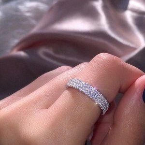 NWOT Simple Diamond Engagement Ring Band